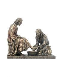"7.25"" Jesus Washing of the Feet - Bronze Style Statue"